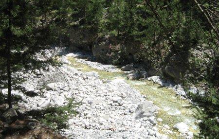 Samaria gorge - river